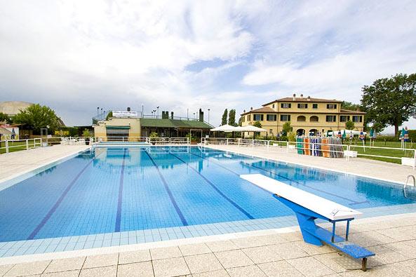 Local Public Swimming Pool In Cortona Area Cortonamia